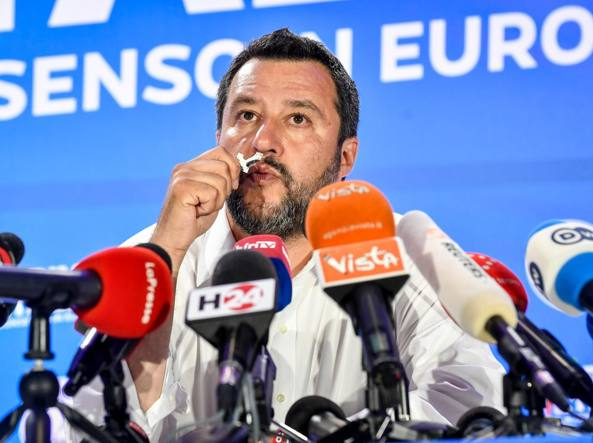 Bergamo: vince Gori (Pd) che usò la bandiera italiana come strofinaccio