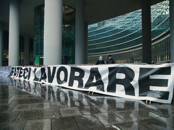 La Lombardia torna zona arancione, Fontana: