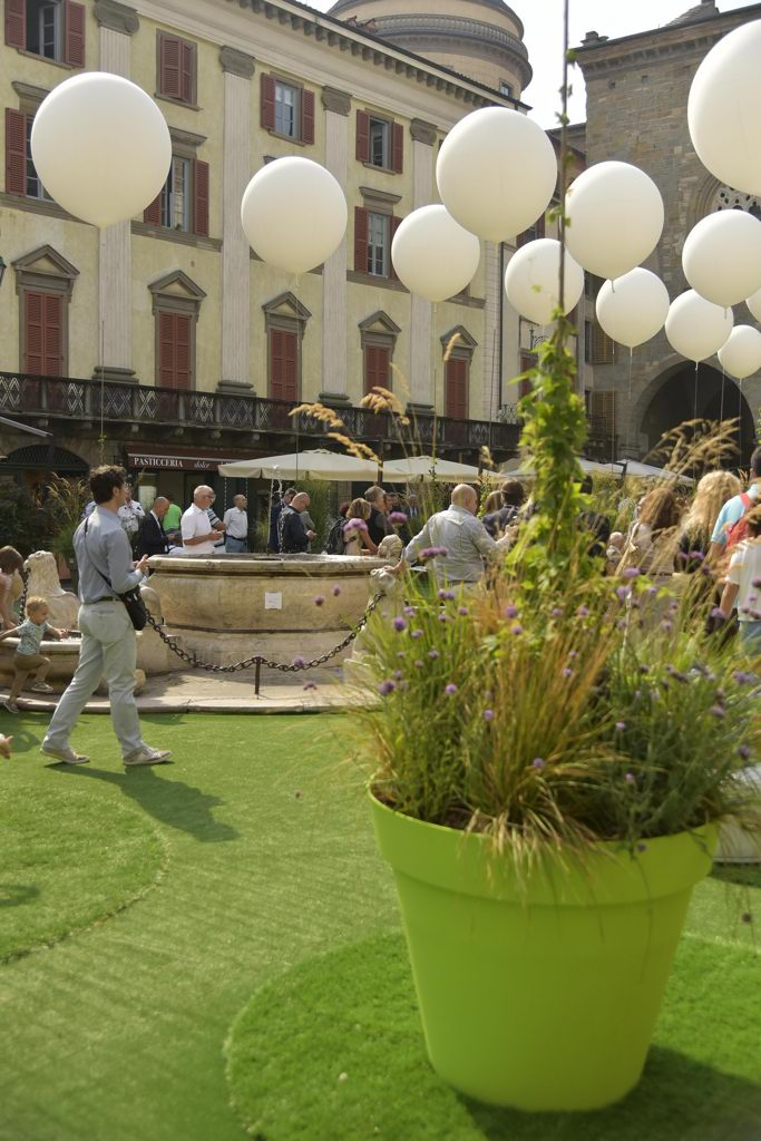 Piazza Vecchia Torna In Verde Corriere It