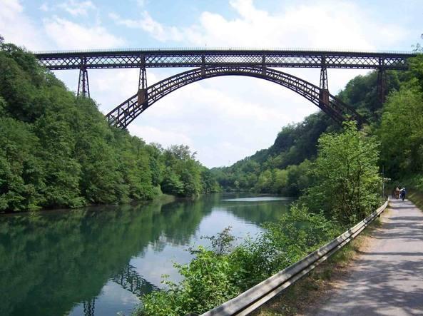 Chiusura Per Ponte.Ponte Di Calusco La Prima Chiusura In 130 Anni Solo Dopo