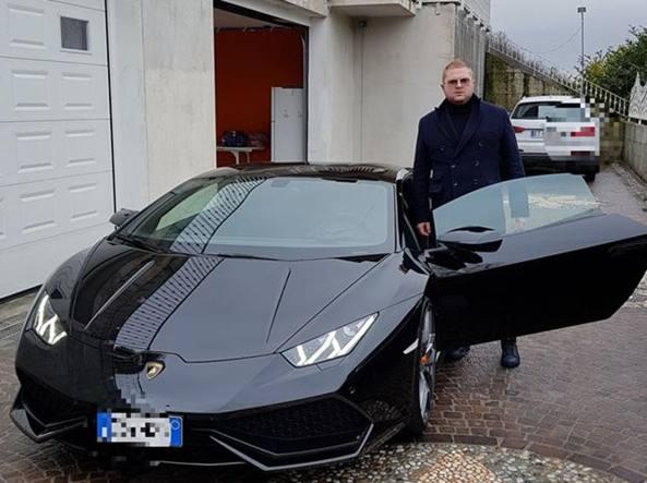 La Sparatoria Di Trescore Champagne Rolex E Lamborghini Sui Sociali Il Lusso Della Famiglia