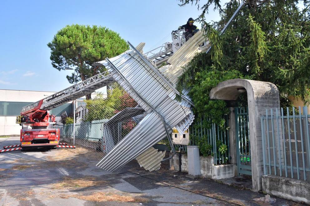 La Vetreria Torino.Pedrengo Il Vento Devasta La Vetreria Corriere It