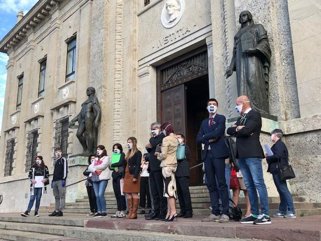 """Covid  a Bergamo, prime denunce in Procura I familiari: """"I nostri cari  abbandonati in casa"""""""