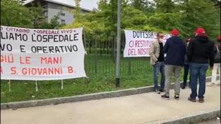 Bergamo, manifestazione per l'ospedale di San Giovanni Bianco