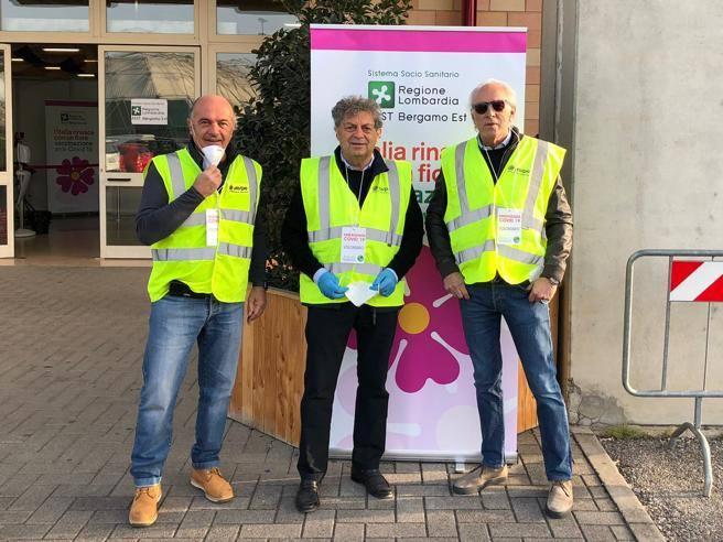 Bergamo, imprenditori volontari ai presìdi: «Un anziano ...